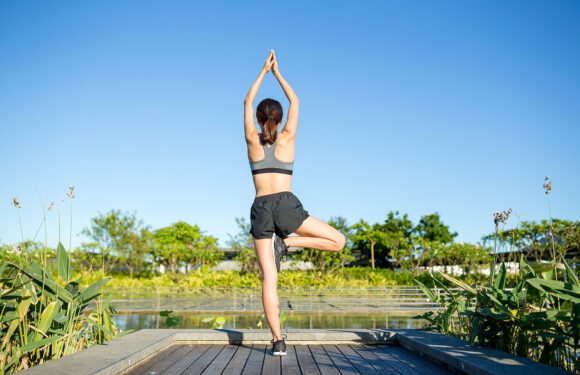 Corsi yoga online, la soluzione contro ansia e stress