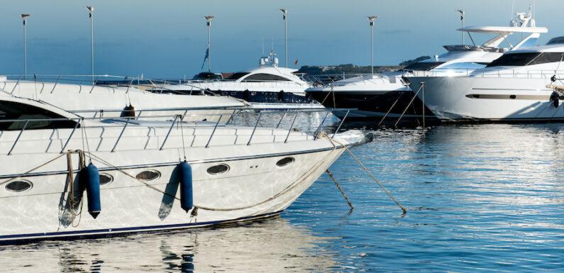 Ormeggio barche a Porto Cesareo: alla scoperta del mare salentino